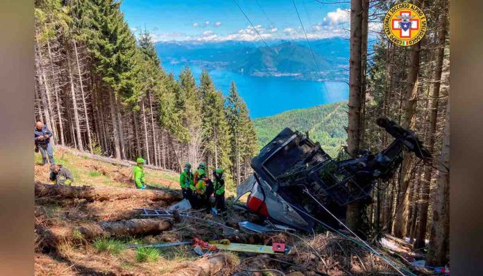 At least 13 killed after Italian cable car plunges to the ground, Report