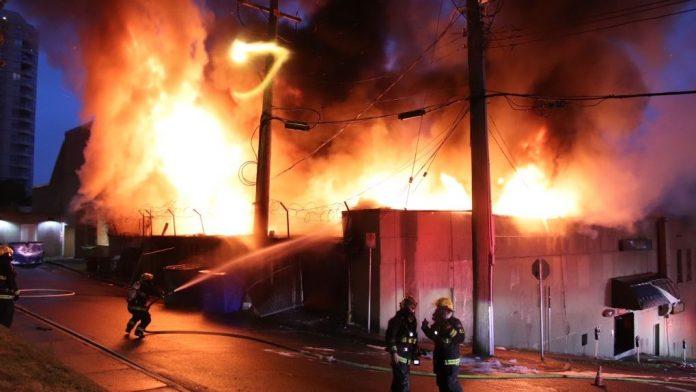 Firefighters battle blaze in downtown New Westminster, Report