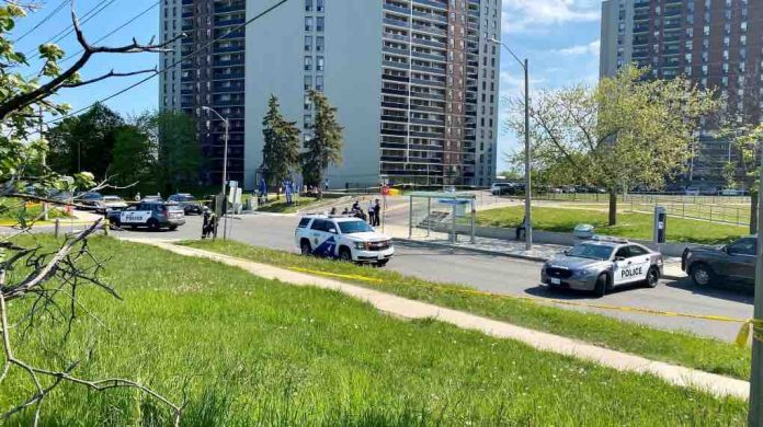 One dead, four seriously wounded in shooting in Etobicoke: police