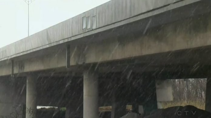 Quebec shuts down major bridge linking Montreal to highway to Ontario, Report