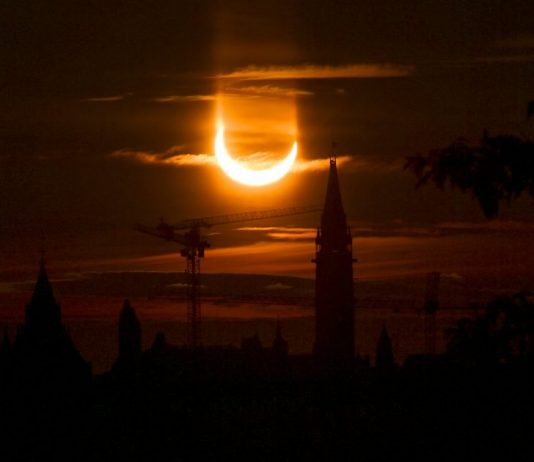 Canada: 'Ring Of Fire' Eclipse Creates Amazing Morning Sky