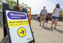 Clic Santé: Quebecers 40 and up can now rebook their second COVID-19 vaccine appointments