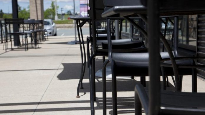 Coronavirus Canada Updates: Alberta hair salons, restaurant patios to reopen Tuesday as some COVID-19 rules lift