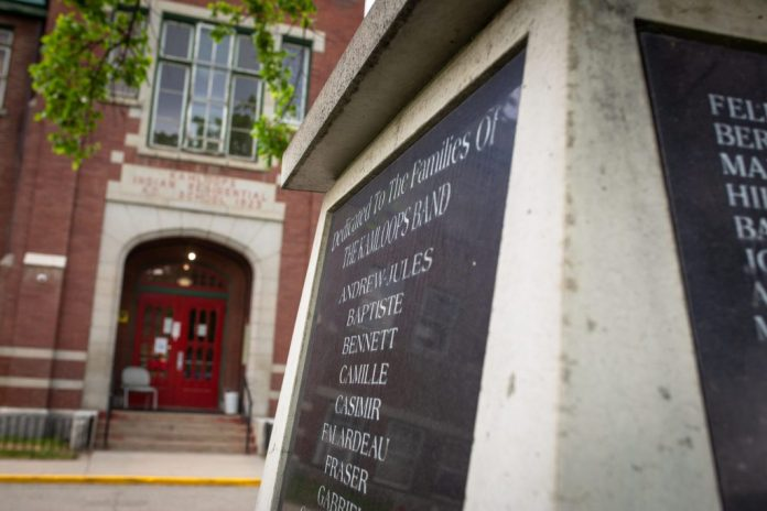 Justice minister mulls legal protection of residential school burial sites, Report