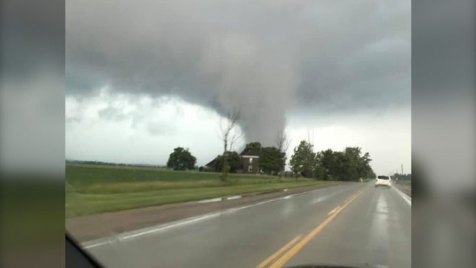 Possible tornado causes damage in southern Ontario