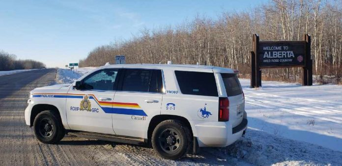 Three people killed in crash north of Edmonton: Alberta RCMP