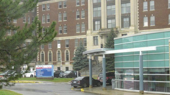 Coronavirus: Ottawa Hospital requiring visitors to be fully vaccinated